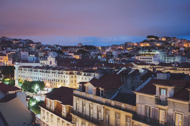 Night-view-Lisbon,-ph-by-José-Chan