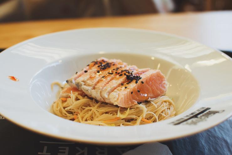 Food court, Salmon glass noodles, ph by José Chan